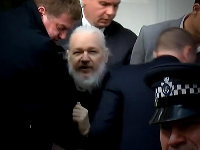 assange_today.jpg.280dea10d01680a953dd9330b0b13419.jpg