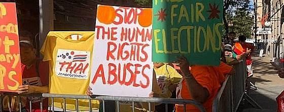 prayuthprotest.jpg.9a222918b18a34f5147dfd253047ed69.jpg